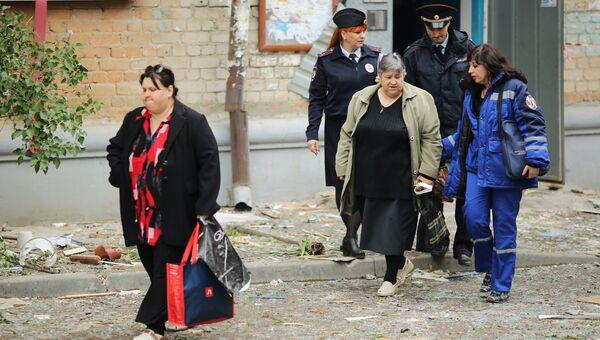Жильцы дома, частично обрушившегося из-за взрыва газа в Волгограде