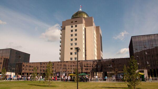 Новый главный корпус Новосибирского государственного университета