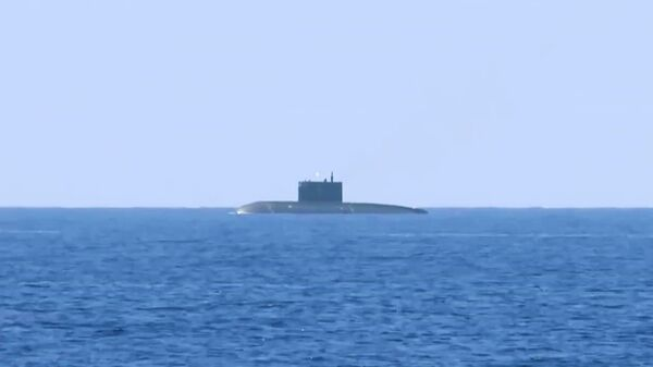 Подводная лодка Краснодар ВМФ РФ в Средиземном море. Архивное фото