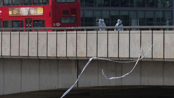 Судебные криминалисты на Лондонском мосту после теракта в ночь на 4 июня
