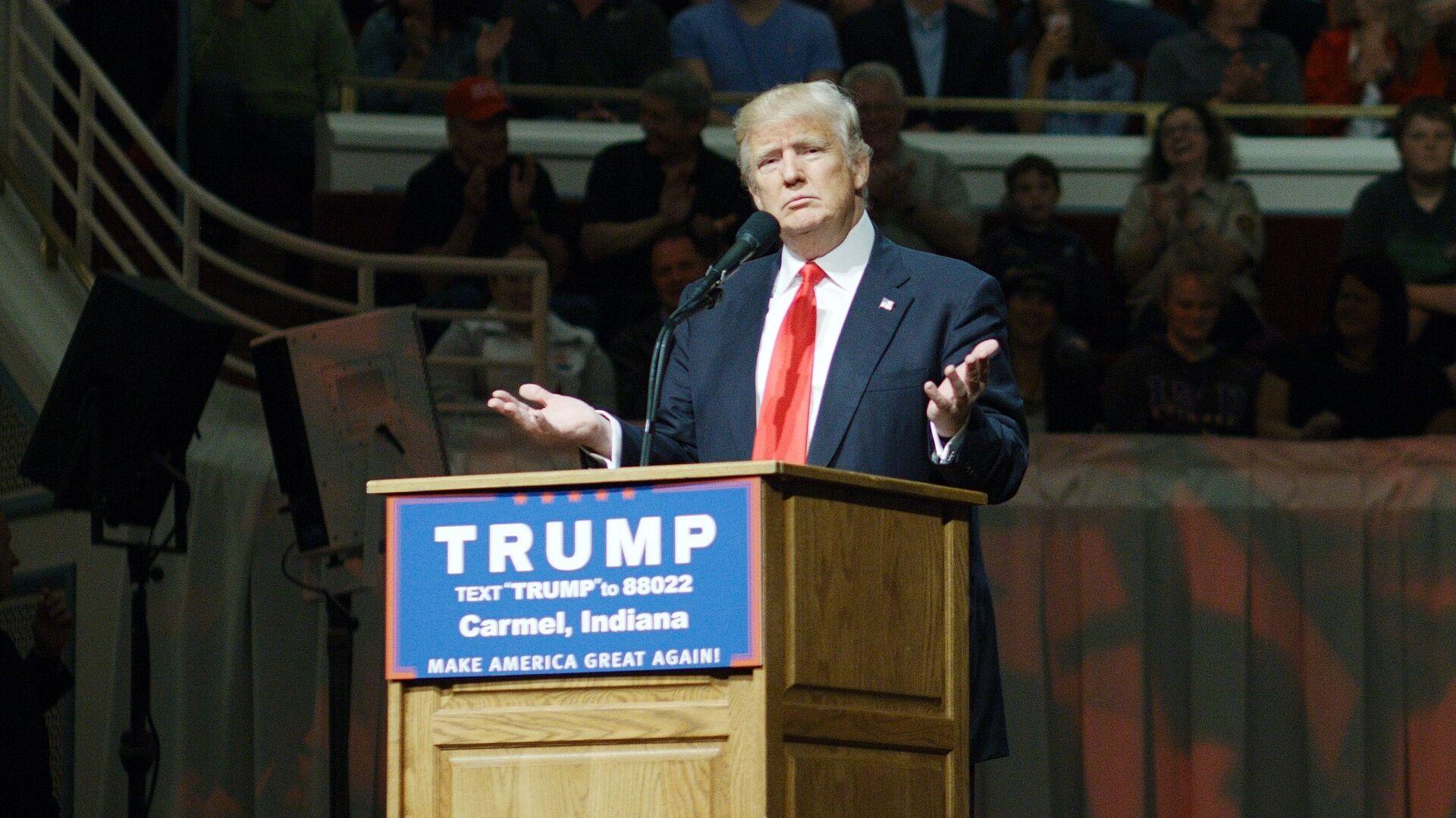Кандидат в президенты США от Республиканской партии Дональд Трамп во время предвыборного ралли в городе Кармел. 2 мая 2016 - РИА Новости, 1920, 07.10.2020