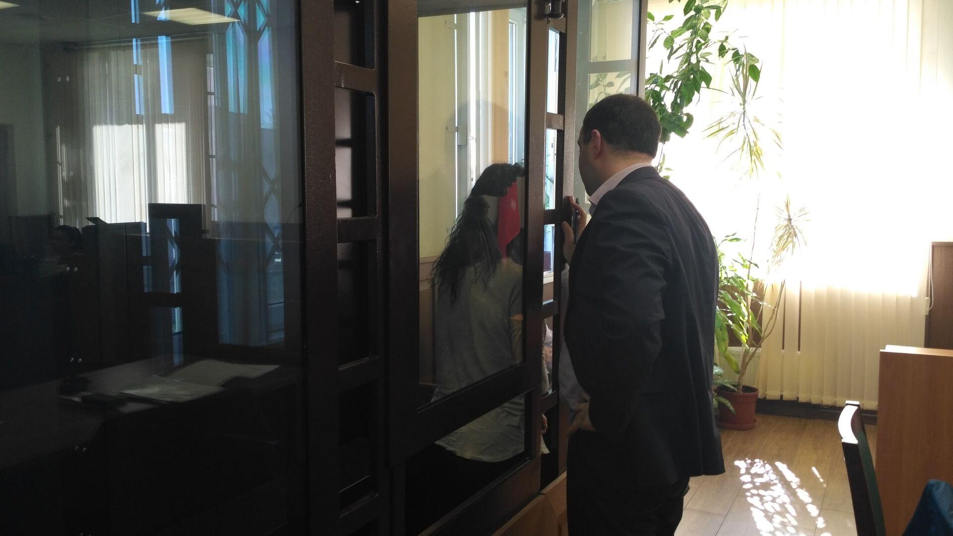 Суд арестовал первую фигурантку по делу о незаконной предпринимательской деятельности, разжигании ненависти и вражды в отношении членов религиозной группы Саентологическая церковь Санкт-Петербурга - РИА Новости, 1920, 16.03.2021