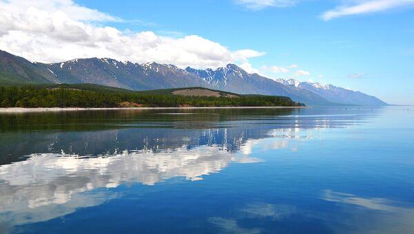 Площадь Байкало-Ленского заповедника 659,9 тыс. га, сюда входит 100 км байкальского побережья
