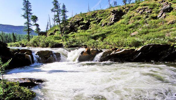 По территории заповедника протекает 250 км реки Лены