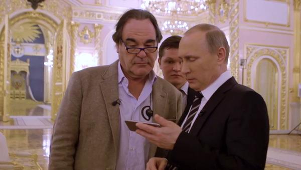 Кадр из фильма американского кинорежиссера Оливера Стоуна Интервью с Путиным