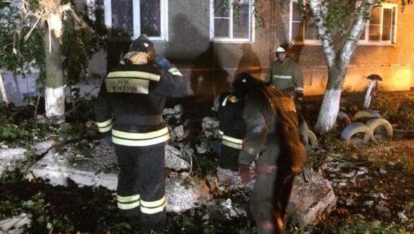 Спасатели МЧС России принимают участие в ликвидации последствий взрыва газа в городе Моршанске