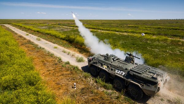 Военнослужащий производит выстрел из ПЗРК Игла во время всеармейского конкурса зенитчиков Чистое небо