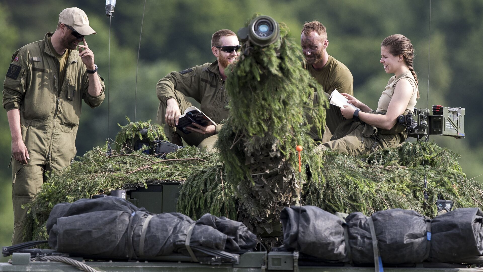 Учения НАТО Iron Wolf 2017 в Латвии. 20 июня 2017 - РИА Новости, 1920, 18.12.2020