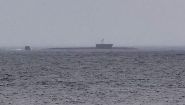 Головной корабль проекта 955 Борей - подводный крейсер Юрий Долгорукий во время пуска ракеты Булава. 26 июня 2017