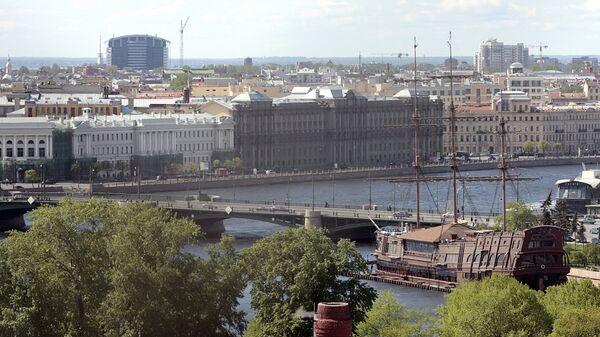 Вид на Биржевой мост с колокольни Петропавловской крепости