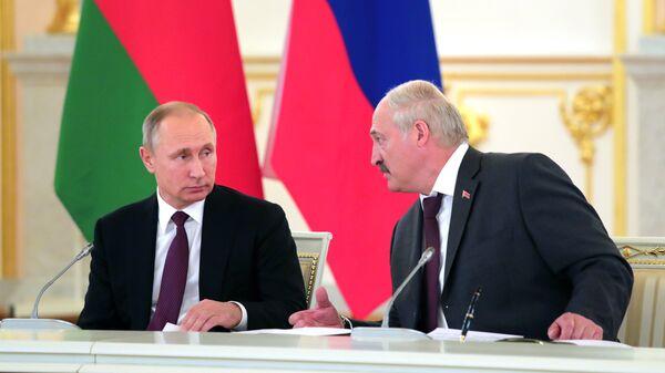 Владимир Путин и Александр Лукашенко. Архивное фото