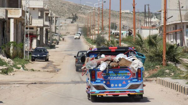 Местные жители уезжают из Хан-Шейхуна