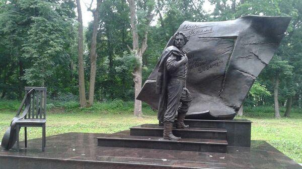 Памятник Игорю Талькову в Щекино Тульской области