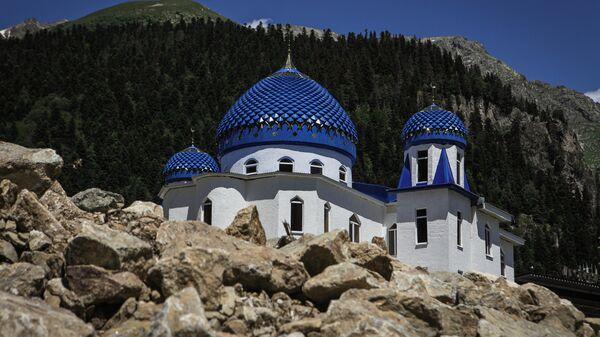 Мечеть в поселке городского типа Домбай