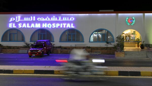 Госпиталь в Хургаде, куда доставили пострадавших при нападении на отель, 15 июля 2017