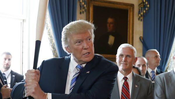 Президент США Дональд Трамп во время выставки Сделано в Америке в Белом доме. 17 июля 2017