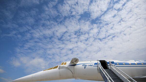 Сверхзвуковой авиалайнер Ту-144