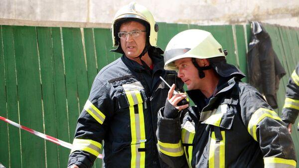Сотрудники Госслужбы Украины по чрезвычайным ситуациям. архивное фото