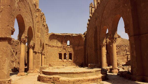 Руины церкви Святого Сергия в городе Расафа, провинция Ракка в Сирии. Архивное фото