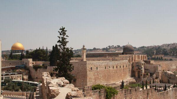 Купол скалы и мечеть Аль-Акса на Храмовой горе в Иерусалиме. Архивное фото