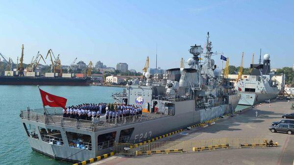 Фрегат ВМС Турции YILDIRІM в порту Одессы. 24 июля 2017