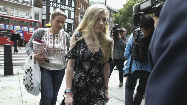 Мать Чарли Гарда gрибывает в Королевский суд в Лондоне. 26 июля 2017