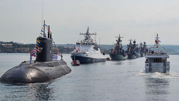 Генеральная репетиция парада кораблей ко Дню ВМФ в Севастополе. Архивное фото