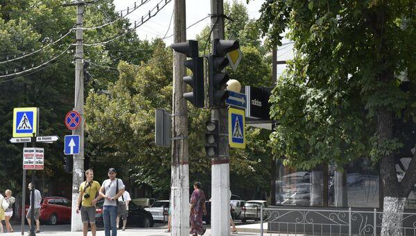 Выключенные светофороы во время отсутствия энергоснабжения в Крыму. 28 июля 2017