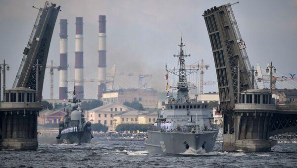 Во время главного военно-морского парада в честь Дня Военно-Морского Флота России в Санкт-Петербурге. 30 июля 2017