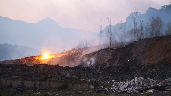 На месте взрыва боеприпасов склада Минобороны Абхазии в селе Приморское Гудаутского района