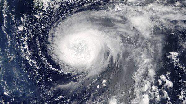 Тайфун, вид из космоса