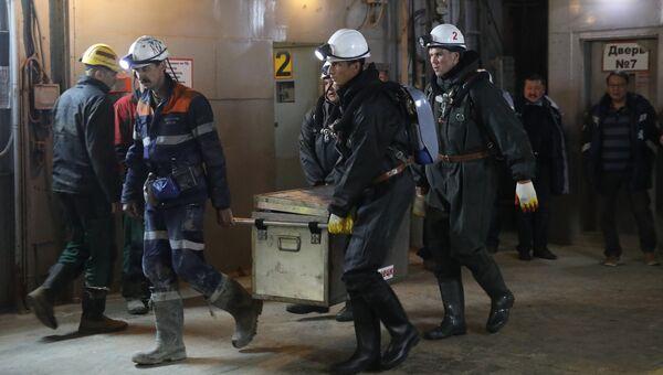 Горноспасатели на руднике Мирный