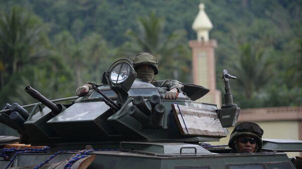 Филиппинские военнослужащие на окраине Марави. Архивное фото
