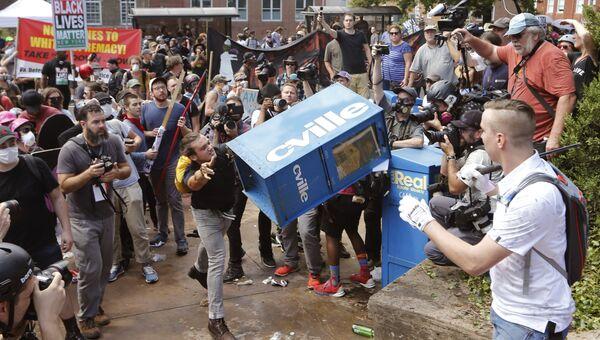 Столкновения с ультраправыми в Виргинии, США