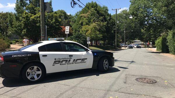 Автомобиль полиции в американском городе Шарлоттсвилл