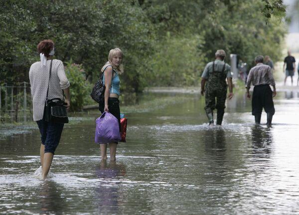 Наводнение из-за сильных грозовых дождей на западе Украины