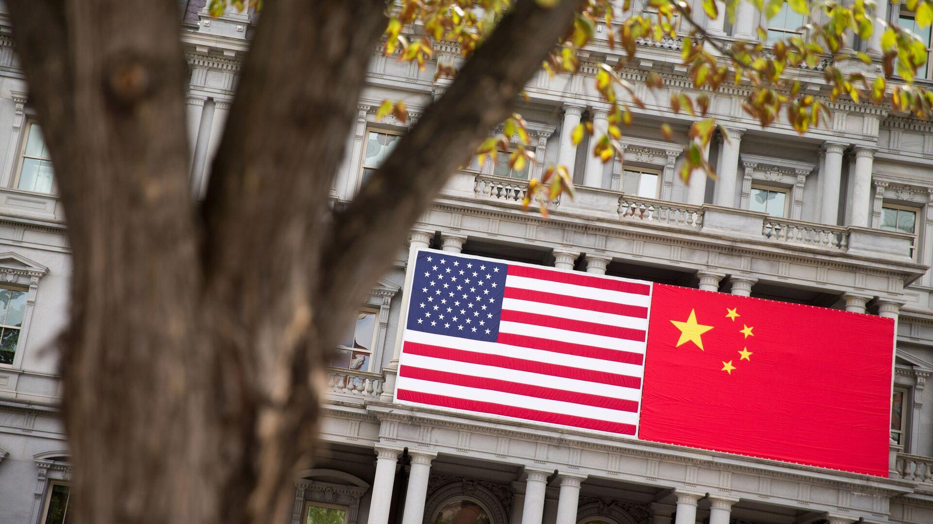 """Для США """"все уже кончено"""" в технологической борьбе с Китаем, заявил эксперт"""