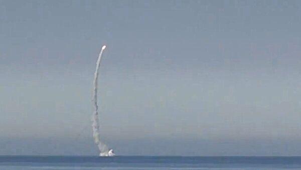 Пуск крылатой ракеты Калибр с атомной подводной лодки Северного флота Северодвинск. 18 августа 2017