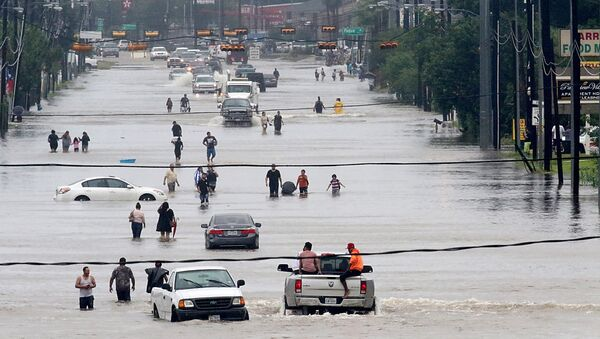 Улица Хьюстона, затопленная в результате шторма Харви. 27 августа 2017
