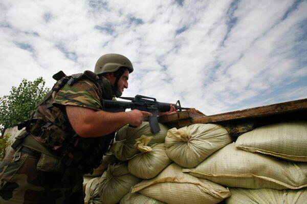 Грузинские военнослужащие в районе конфликта между Грузией и Южной Осетией. Архив