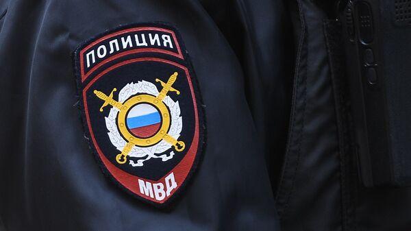 Нашивка на рукаве сотрудника полиции