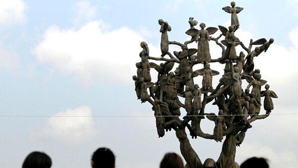 Памятник Древо скорби в Беслане