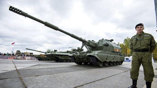 Самоходное артиллерийское орудие 2С35 на базе Т-90 Коалиция-СВ, архивное фото