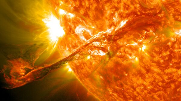 Вспышка на солнце. Архив