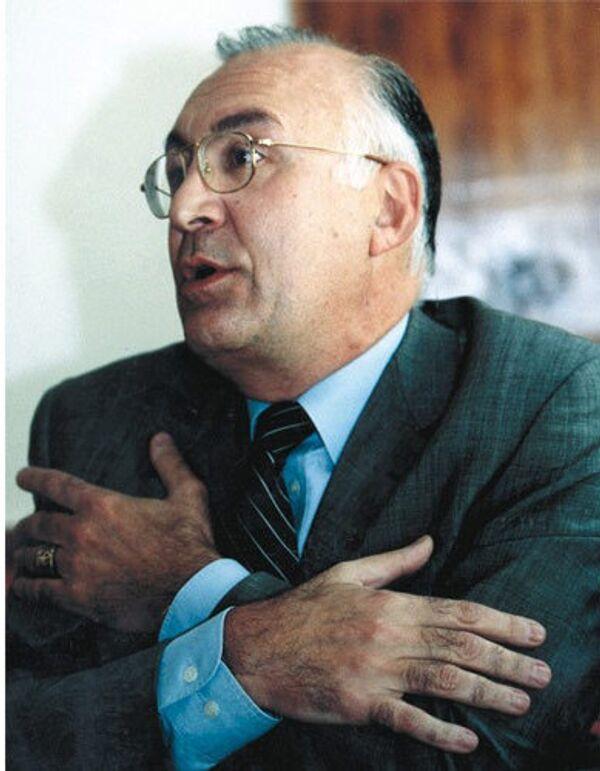 Доктор политических наук, бывший посла Грузии в РФ, экс-руководитель миссии Грузии при НАТО и при ЕС Зураб Абашидзе