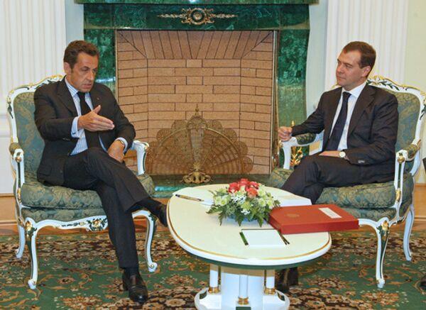 Президенты Франции и РФ Николя Саркози и Дмитрий Медведев во время встречи в Кремле