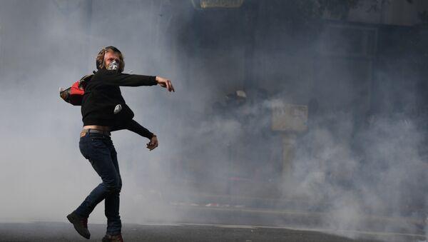 Акция протеста против реформы трудового законодательства в Париже, Франция. 12 сентября 2017