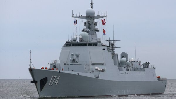 Ракетный эсминец Хэфэй из отряда боевых кораблей военно-морских сил Китая