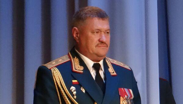 Командующий 5-й общевойсковой армией генерал-лейтенант Валерий Асапов