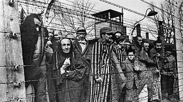 Заключенные концлагеря Освенцим